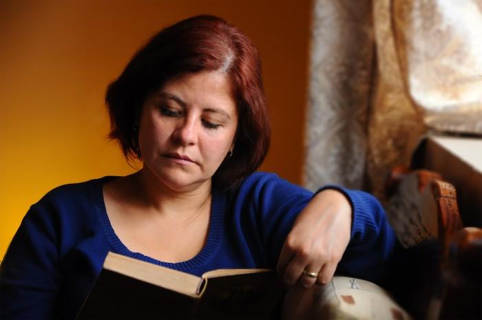 Kobiety czytają więcej